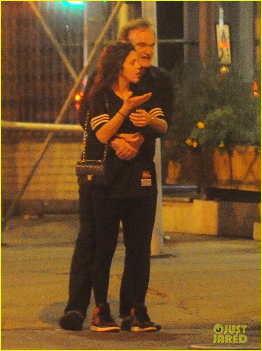 Quentin Tarantino Kisses Vanessa Ferlito See The Pda
