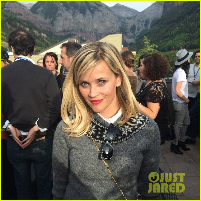 reese witherspoon thanks wonderful supportive fans 013187735