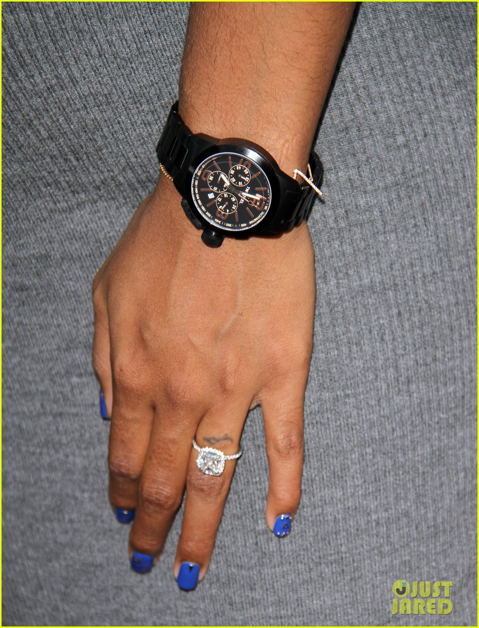 Pregnant Kelly Rowland Shows Off Baby Bump at Her TW Steel Timepiece ...