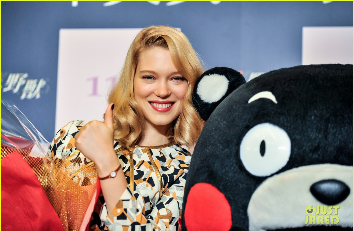 lea seydoux snuggles mascot kumamon at beauty and the beast 023189027