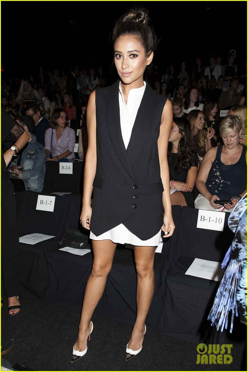 shay mitchell jamie chung bcbg fashion show 2014 193189232