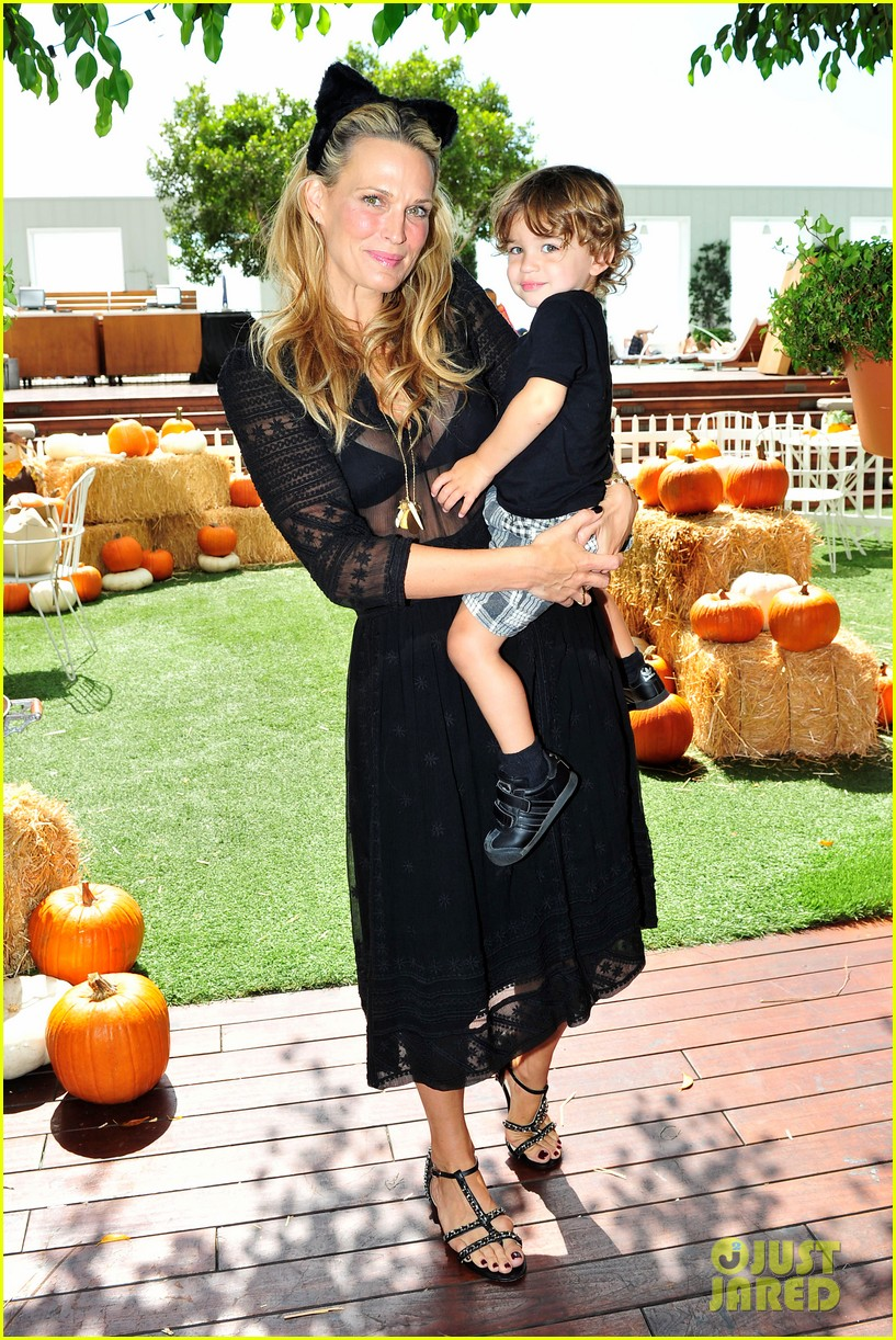 Molly Sims Is Pregnant Expecting Second Child With Scott