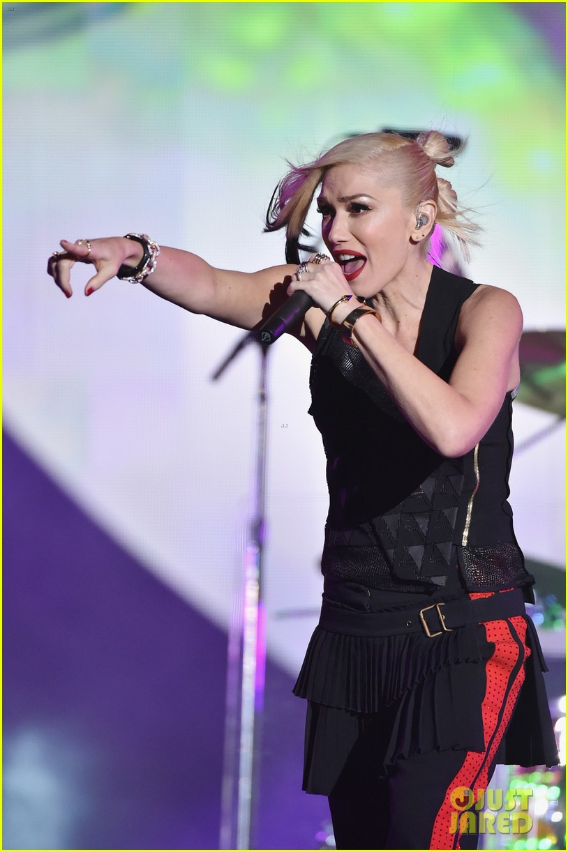 gwen stefani performs with sting at global citizen festival 2014 013206152