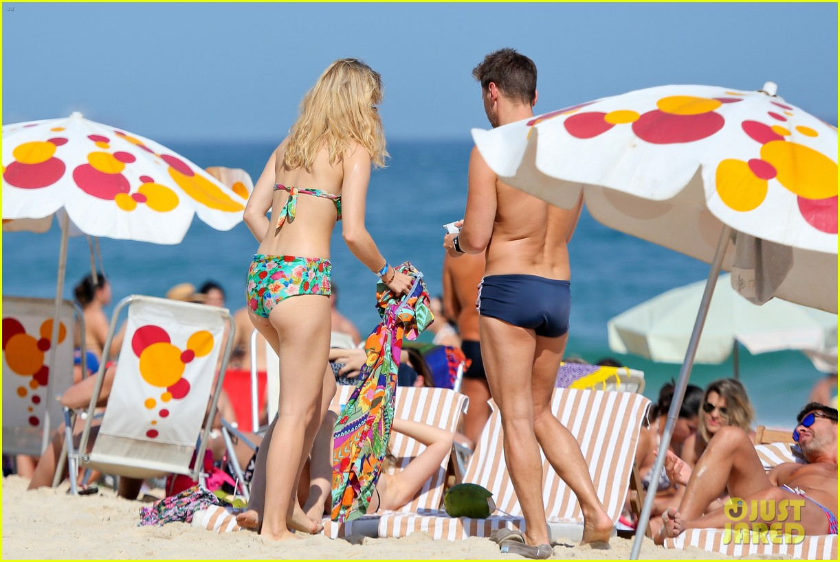 suki waterhouse retro bikini rio 053188793