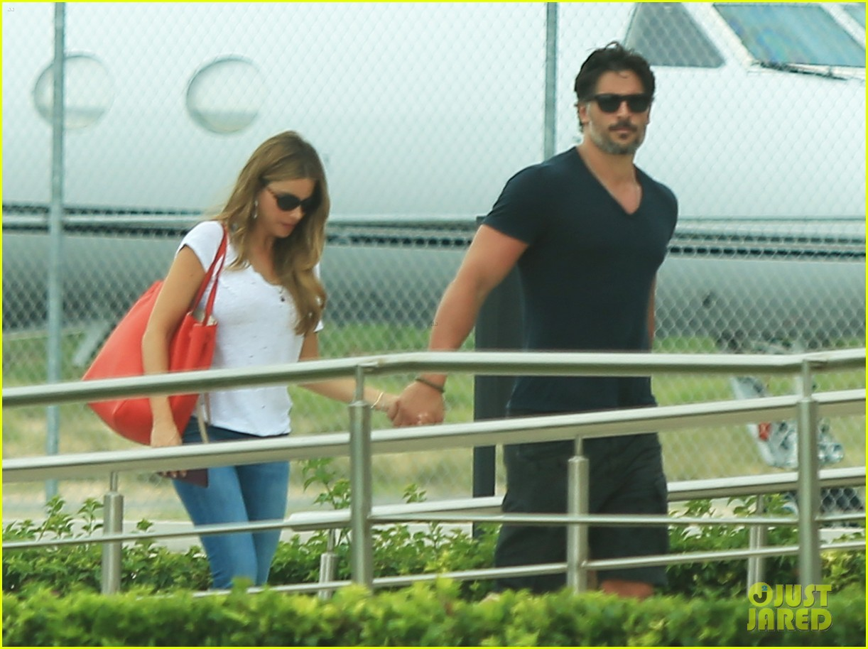 sofia vergara joe manganiello hold hands after romantic getaway 023187665