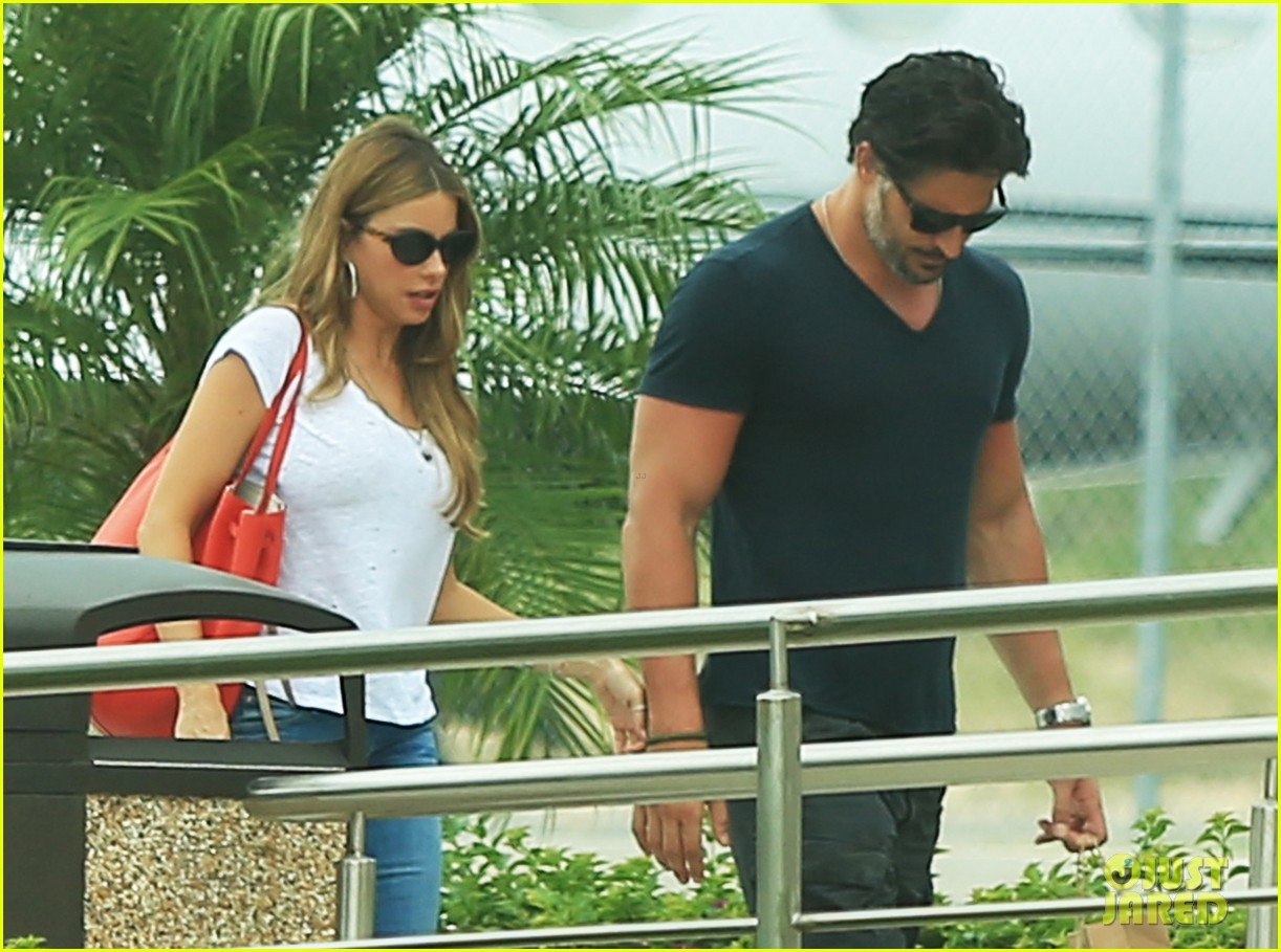 sofia vergara joe manganiello hold hands after romantic getaway 103187673