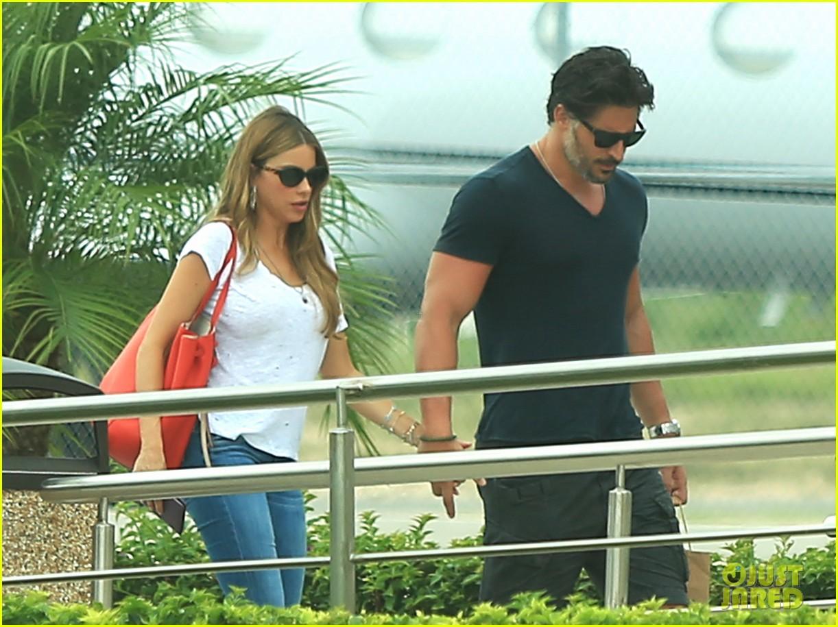 sofia vergara joe manganiello hold hands after romantic getaway 123187675