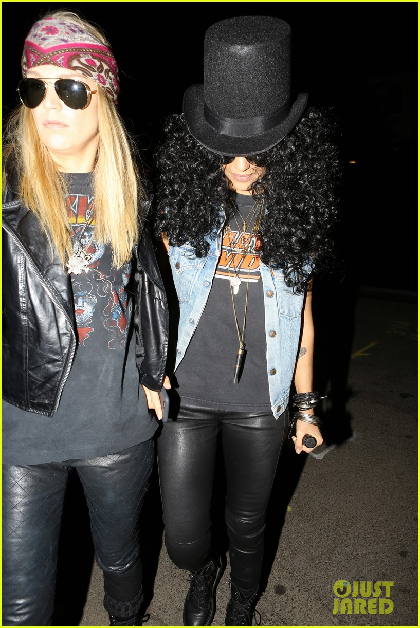 Jessica Alba Goes As Slash From Guns N Roses For