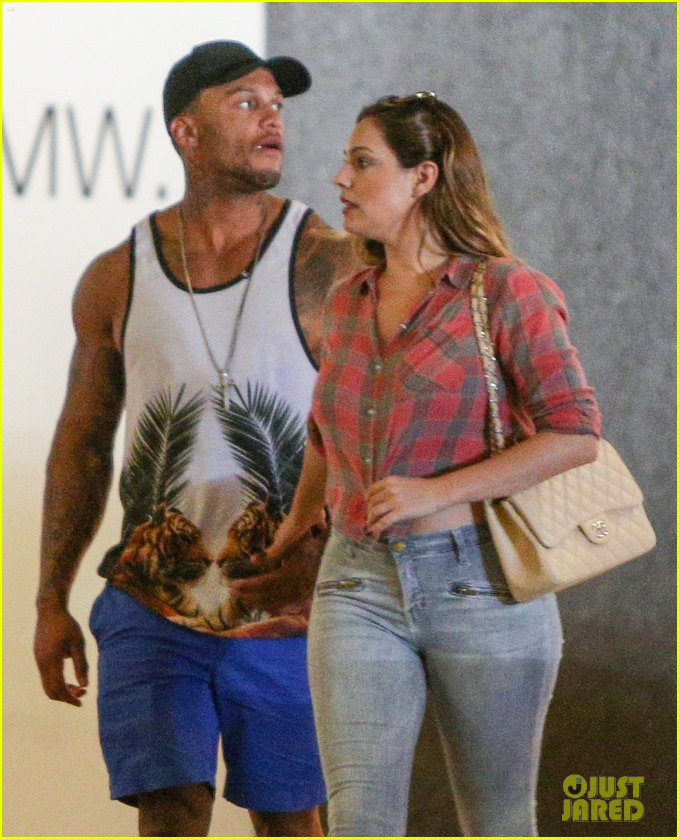 kelly brook ex fiance david brook continue fuel reconciliation rumors 023222800