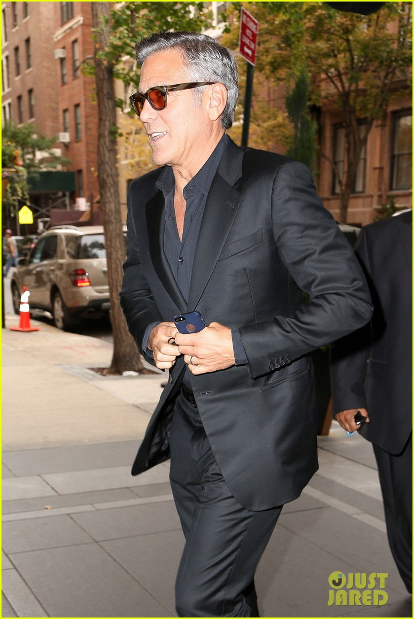 george clooney flashes wedding ring nyc 073214965