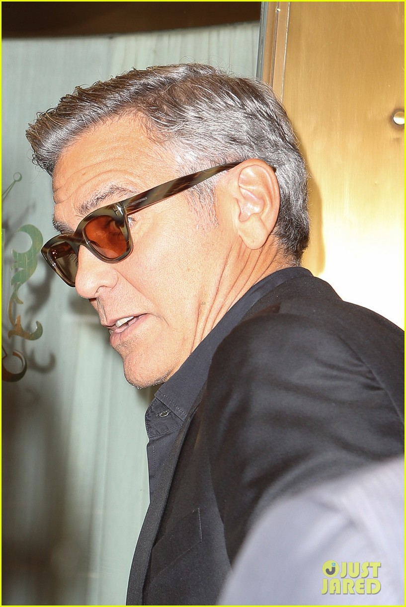 george clooney flashes wedding ring nyc 123214970
