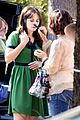 zooey deschanel goes green for new girl 04