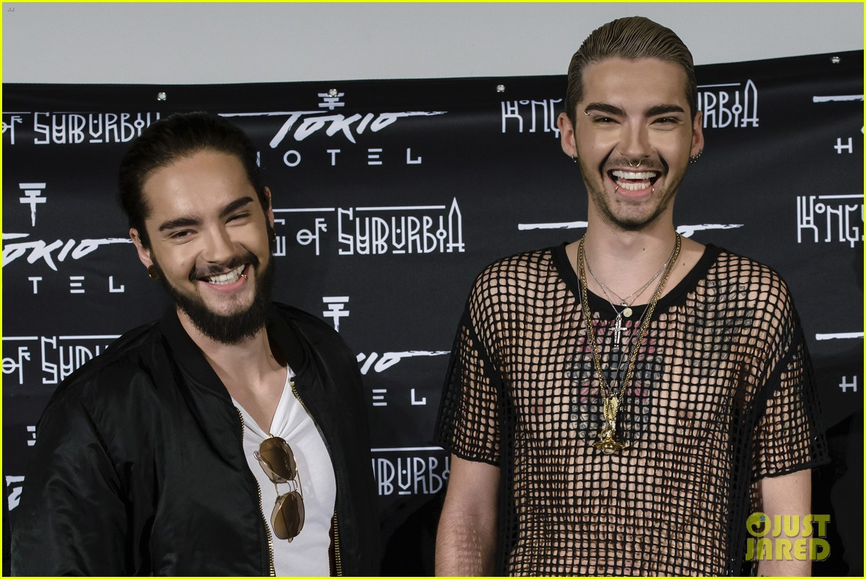tokio hotel celebrate kings of suburbia release at berlin press 073209671