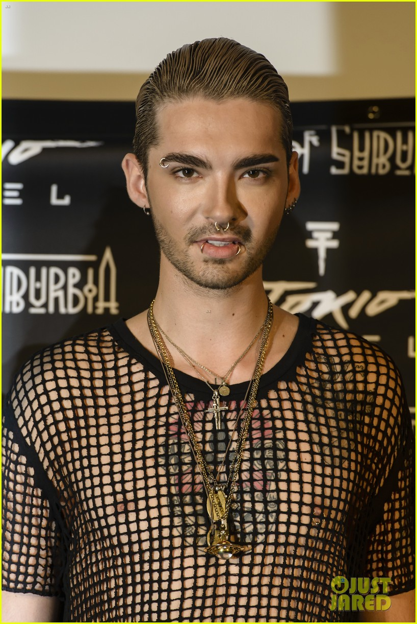 tokio hotel celebrate kings of suburbia release at berlin press 093209673
