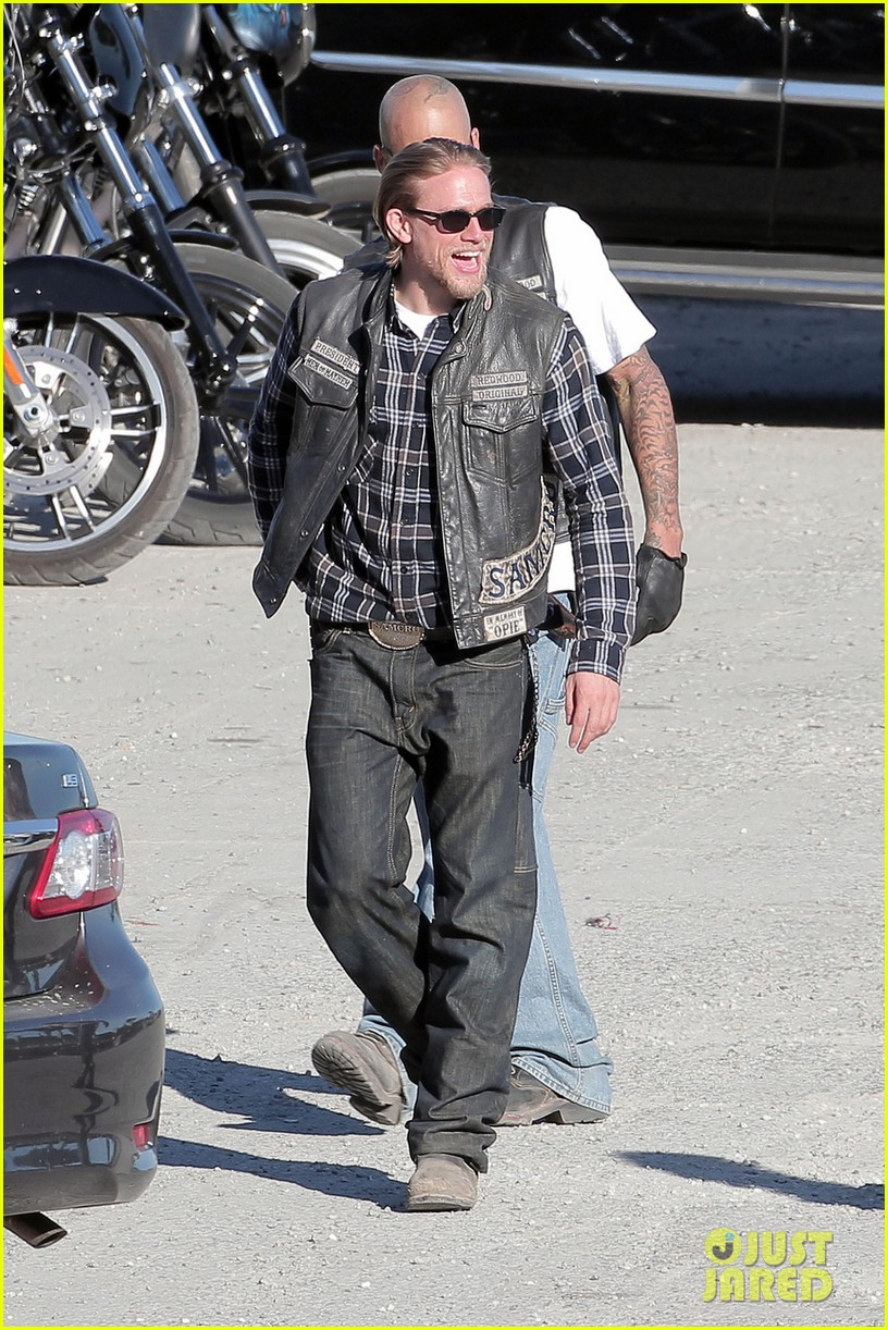 charlie hunnam sons of anarchy plaid 013226948