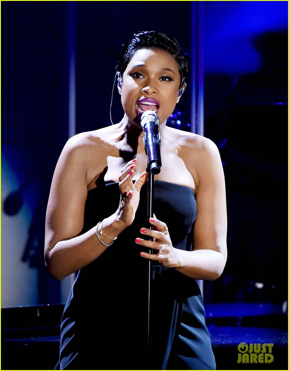 jennifer hudson carousel hope ball performance 103217155