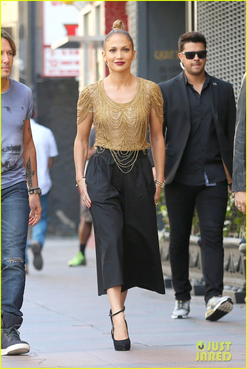 pics More: Jennifer Lopez Returning to American Idol for 15 Million