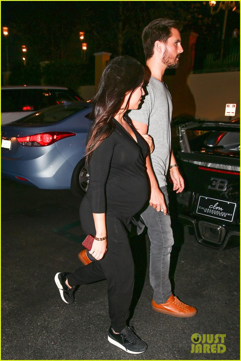 kourtney kardashian looks very pregnant on date night 293218142