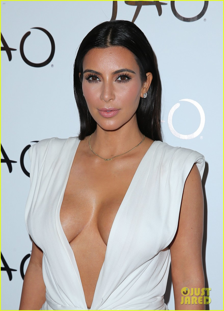 Cleavage Kim Kardashian nude (75 foto and video), Ass, Is a cute, Feet, cleavage 2019