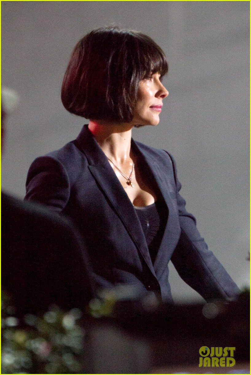 Evangeline Lilly Rocks Short Dark Bob For Ant Man
