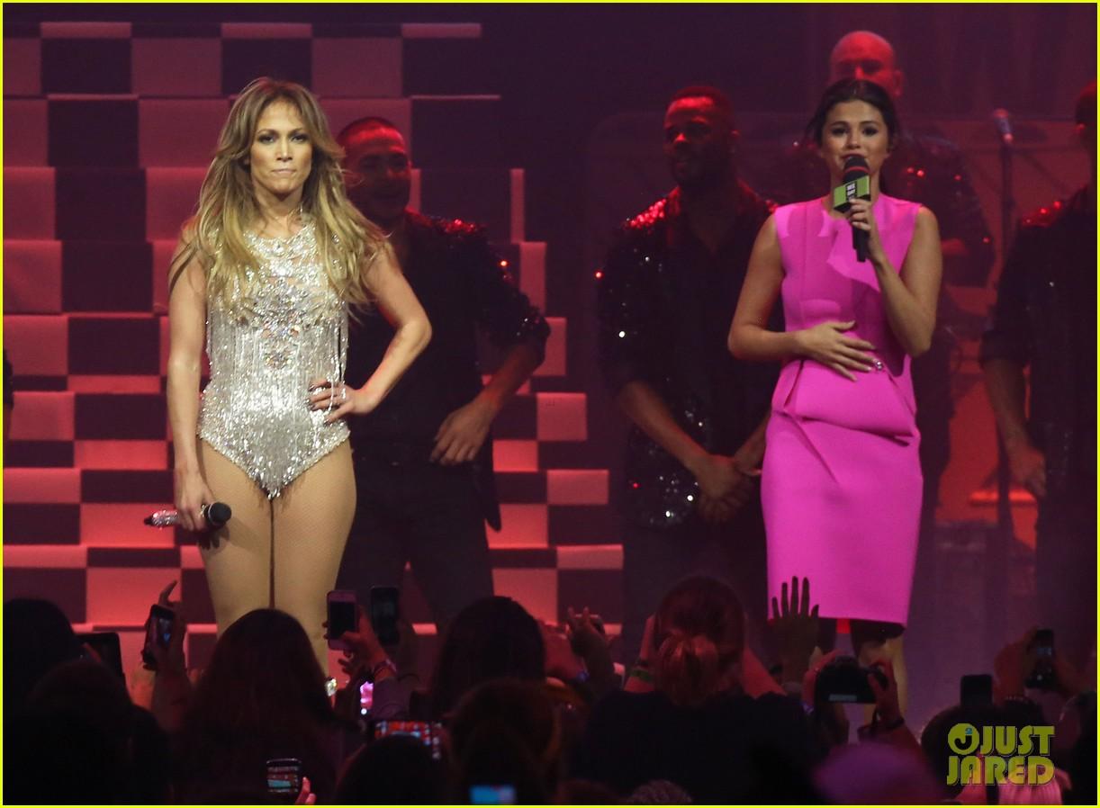 Full Sized Photo Of Jennifer Lopez We Day 2014 Red Carpet
