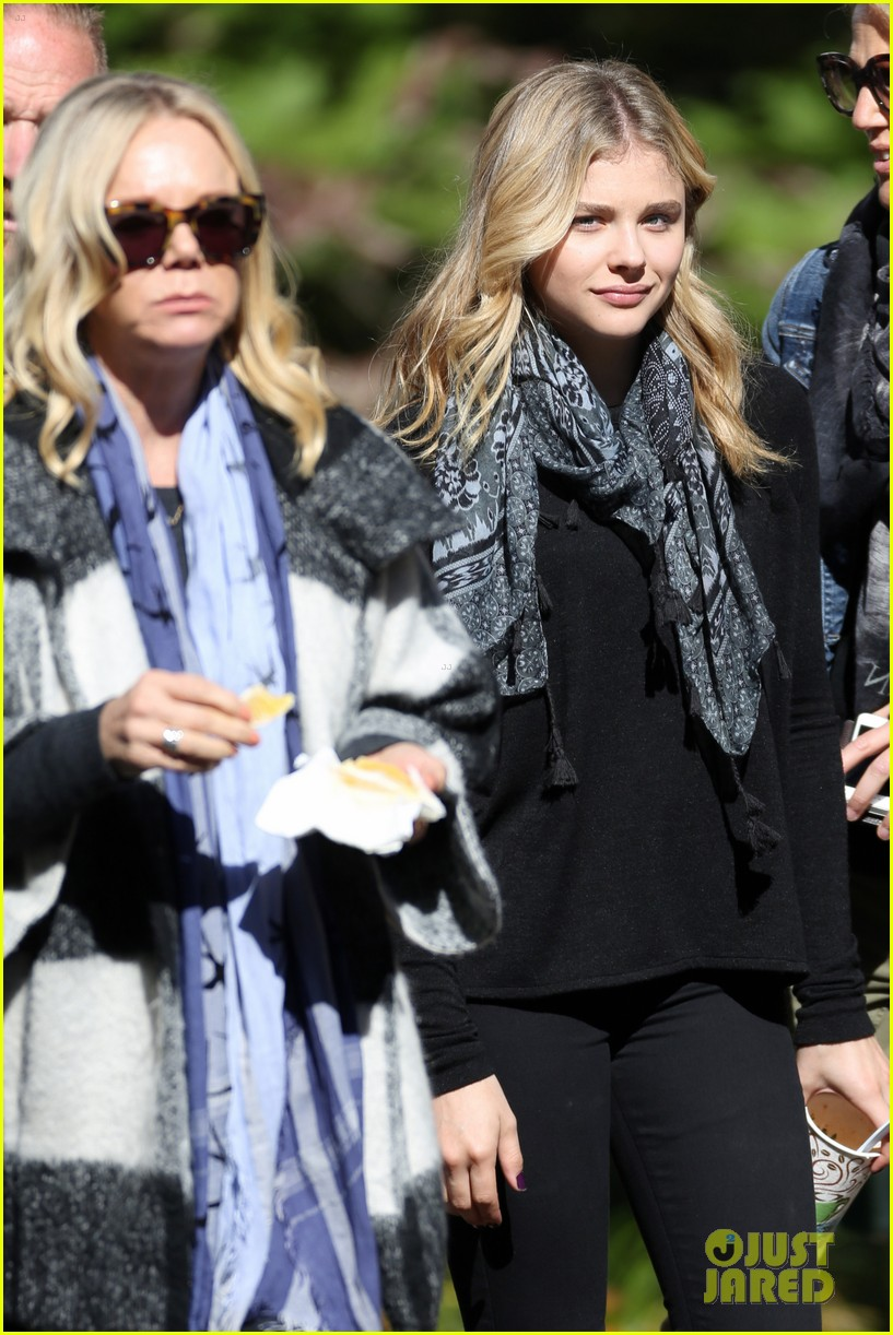 chloe moretz 5th wave haunted forest 093230866