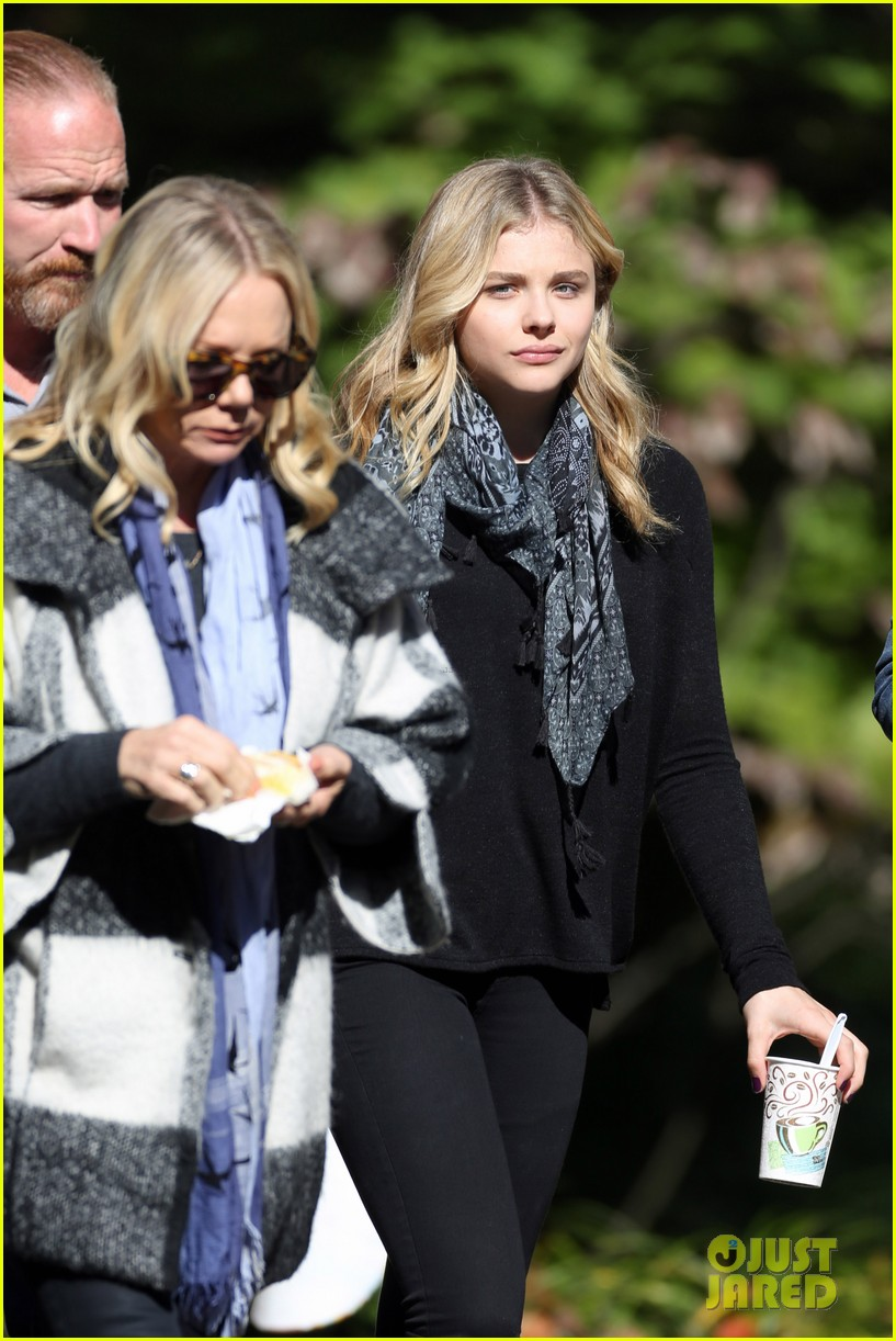chloe moretz 5th wave haunted forest 103230867