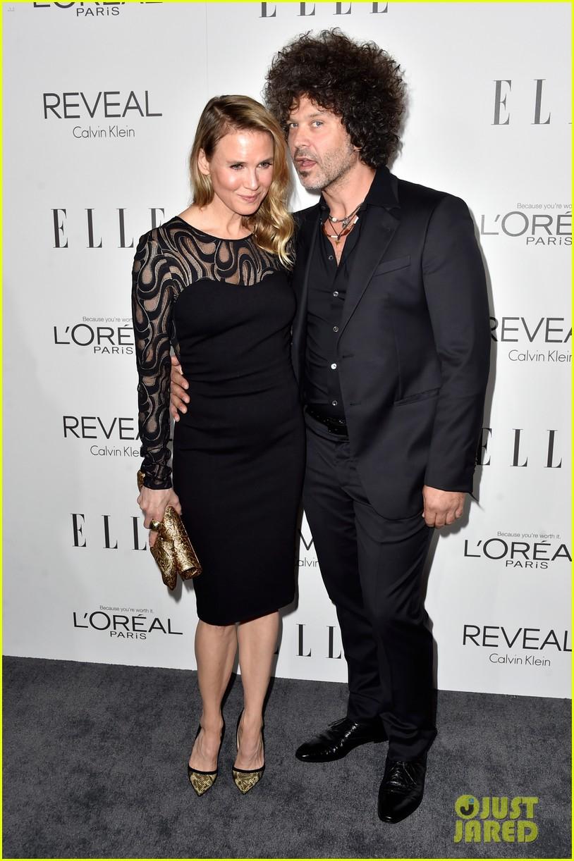 renee zellweger elle women in hollywood event with boyfriend 103223741