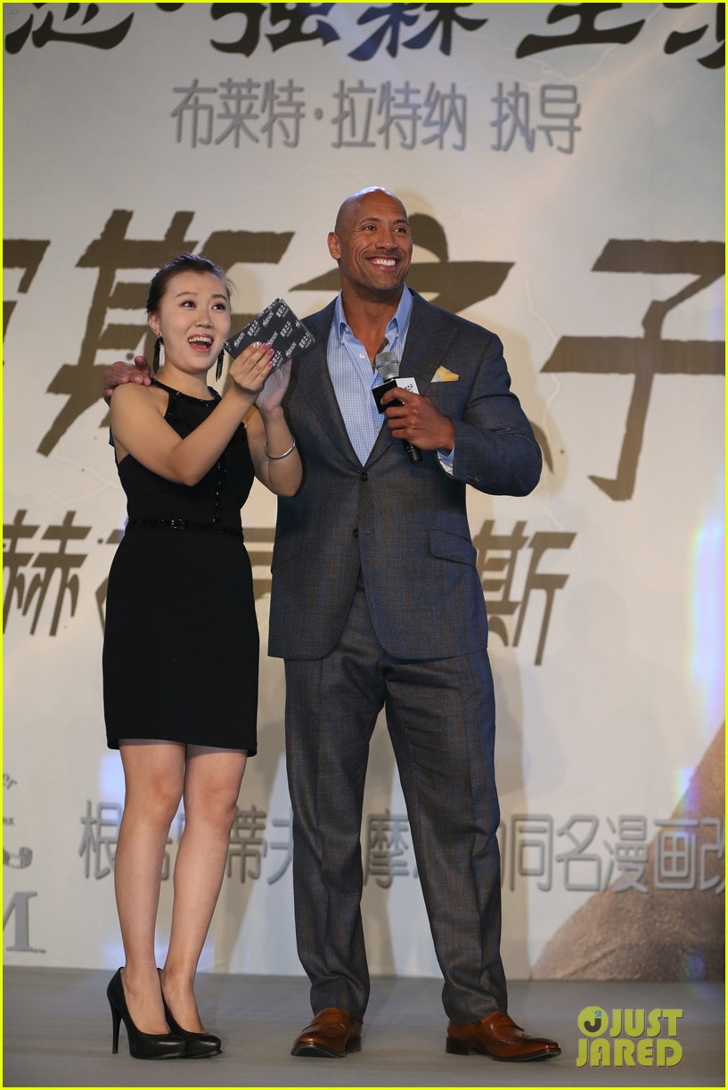 Dwayne The Rock Johnson Is Honored To Be Premiering Hercules In China Photo 3219972 Brett Ratner Dwayne Johnson The Rock Pictures Just Jared