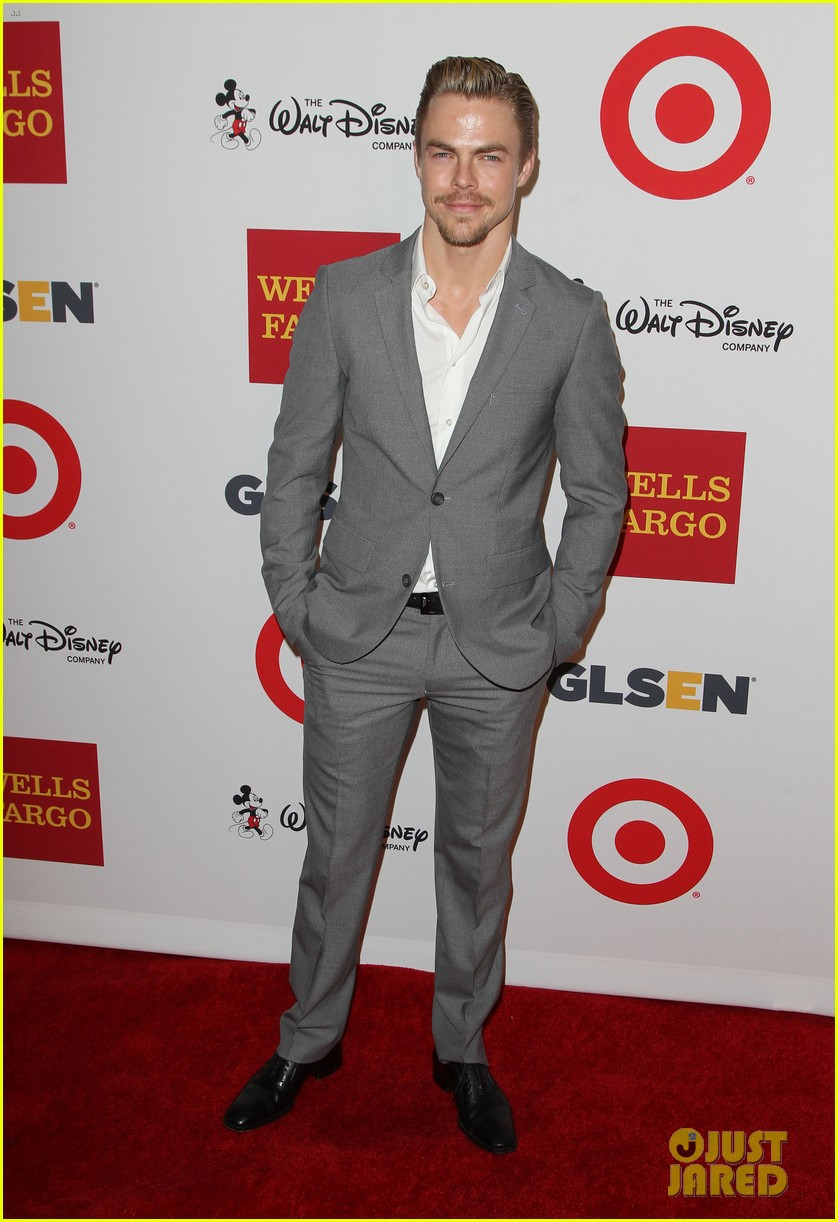 robbie rogers steps out after big sitcom news announced 093221632