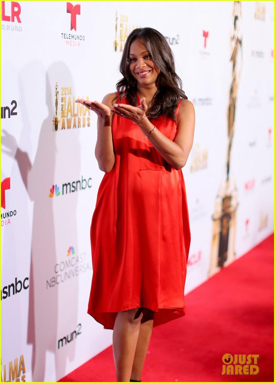 Full Sized Photo of zoe saldana gina rodriguez alma awards ... Zoe Saldana