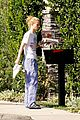 iggy azalea checks mail in comfy pjs 05
