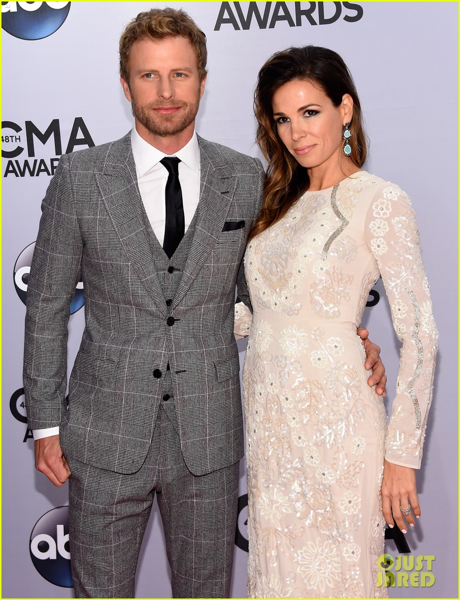 Dierks Bentley Wife Cassidy Black Are The Perfect Couple At Cma