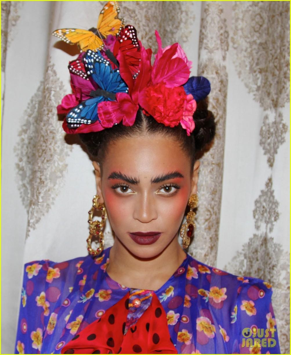 beyonce stuns as frida kahlo for second halloween costume 043234692