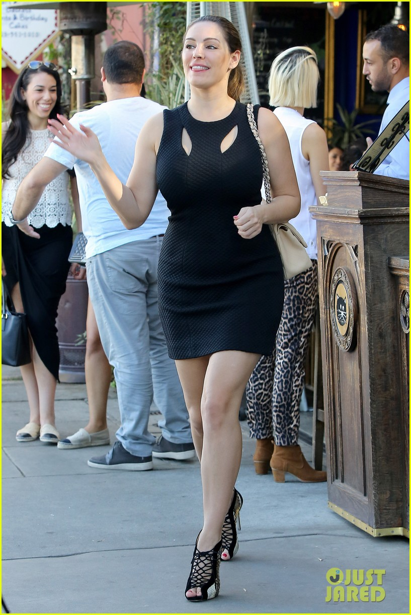 kelly brook lunch with friend 073238073