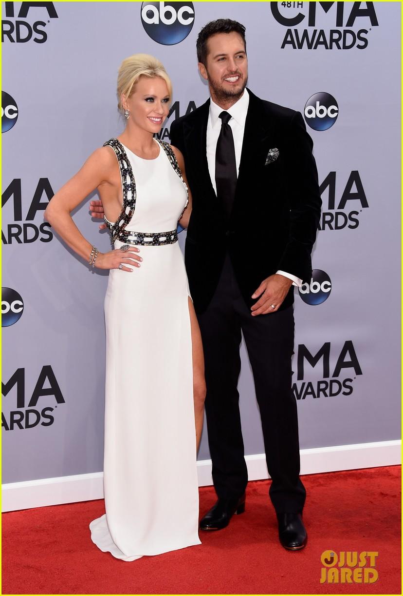 Luke Bryan Brings Wife Caroline Boyer To Cma Awards 2014
