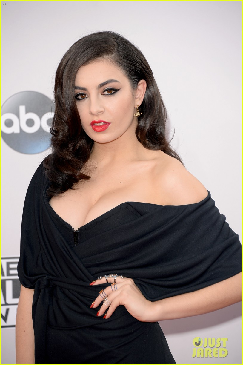 Cleavage Charli XCX naked (35 images), Paparazzi