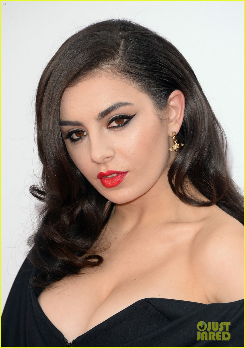 Cleavage Charli XCX nude photos 2019