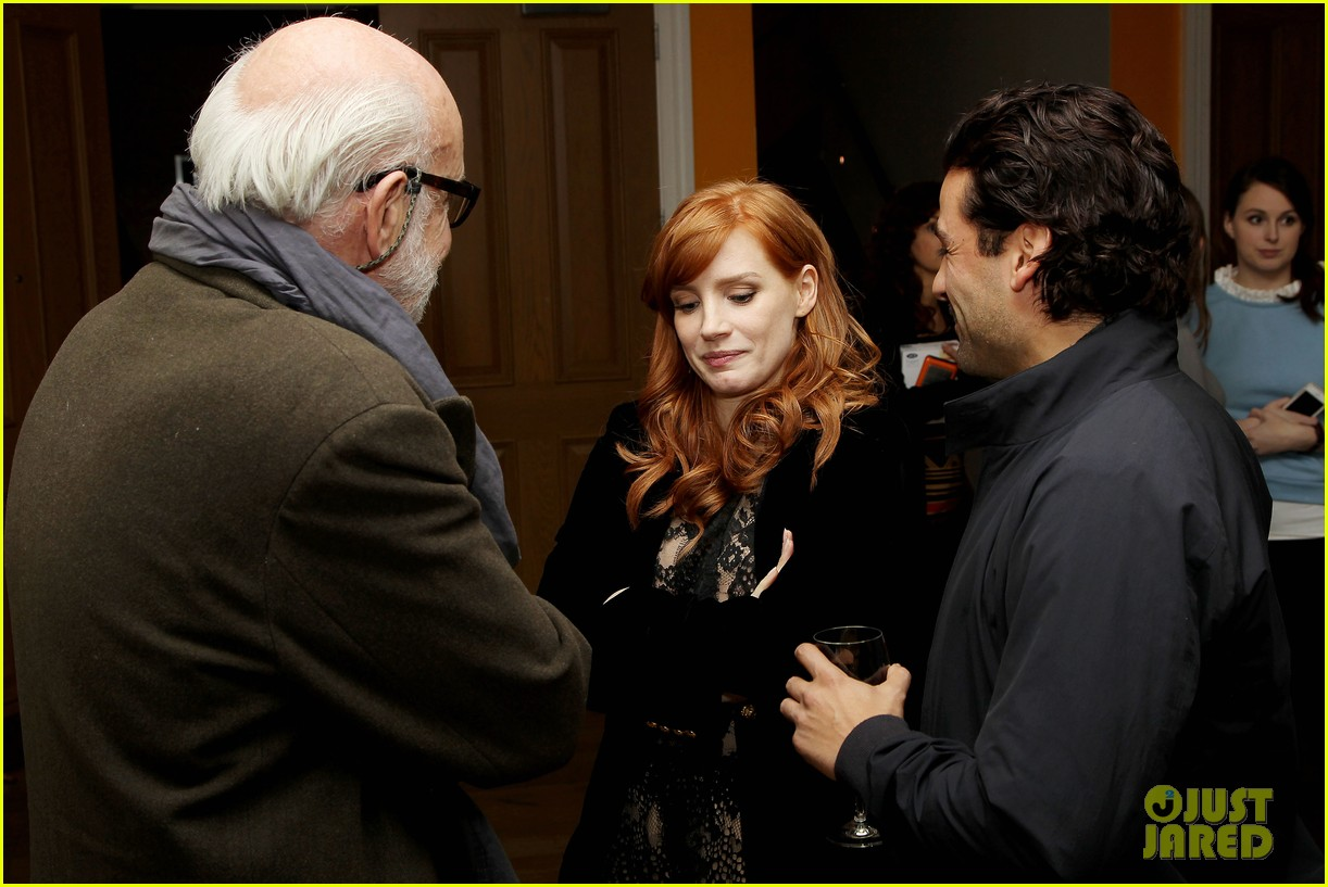 jessica chastain oscar isaac open up about bad auditions for a most violent year 073250187
