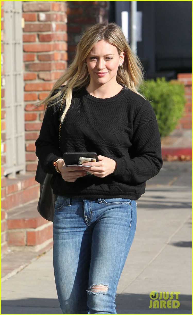 braless Paparazzi Hilary Duff naked photo 2017