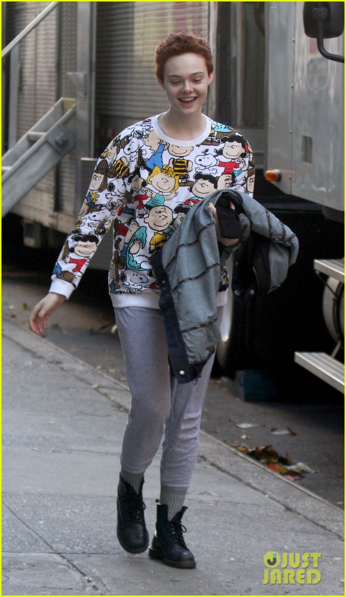 elle fanning three generations in chilly nyc 013245577