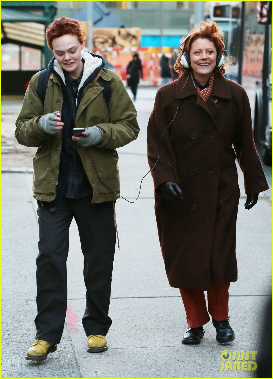elle fanning three generations in chilly nyc 093245585