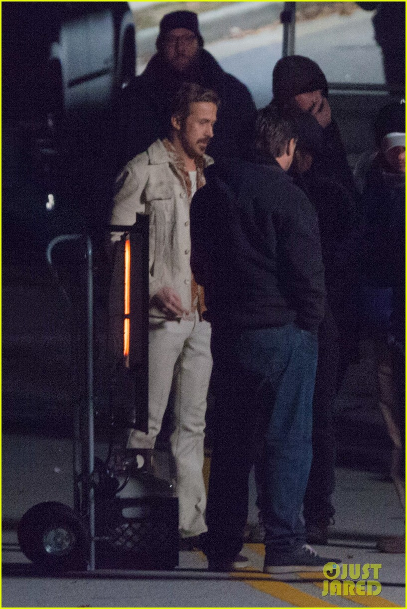 ryan gosling jets to los angeles after nice guys scenes 163243193