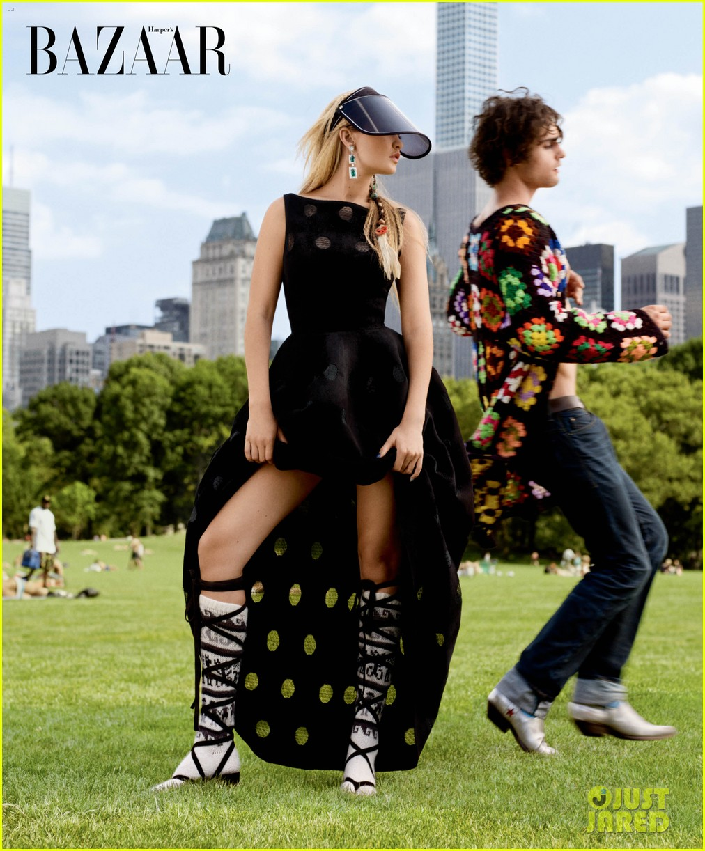 gigi hadid models the seasons best haute couture jewelry 013234493