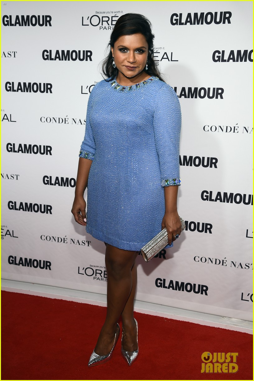 mindy kaling zosia mamet glamour women of the years awards 013239485
