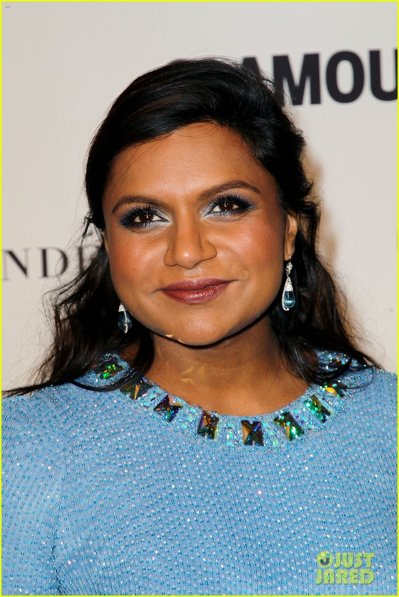 mindy kaling zosia mamet glamour women of the years awards 043239488