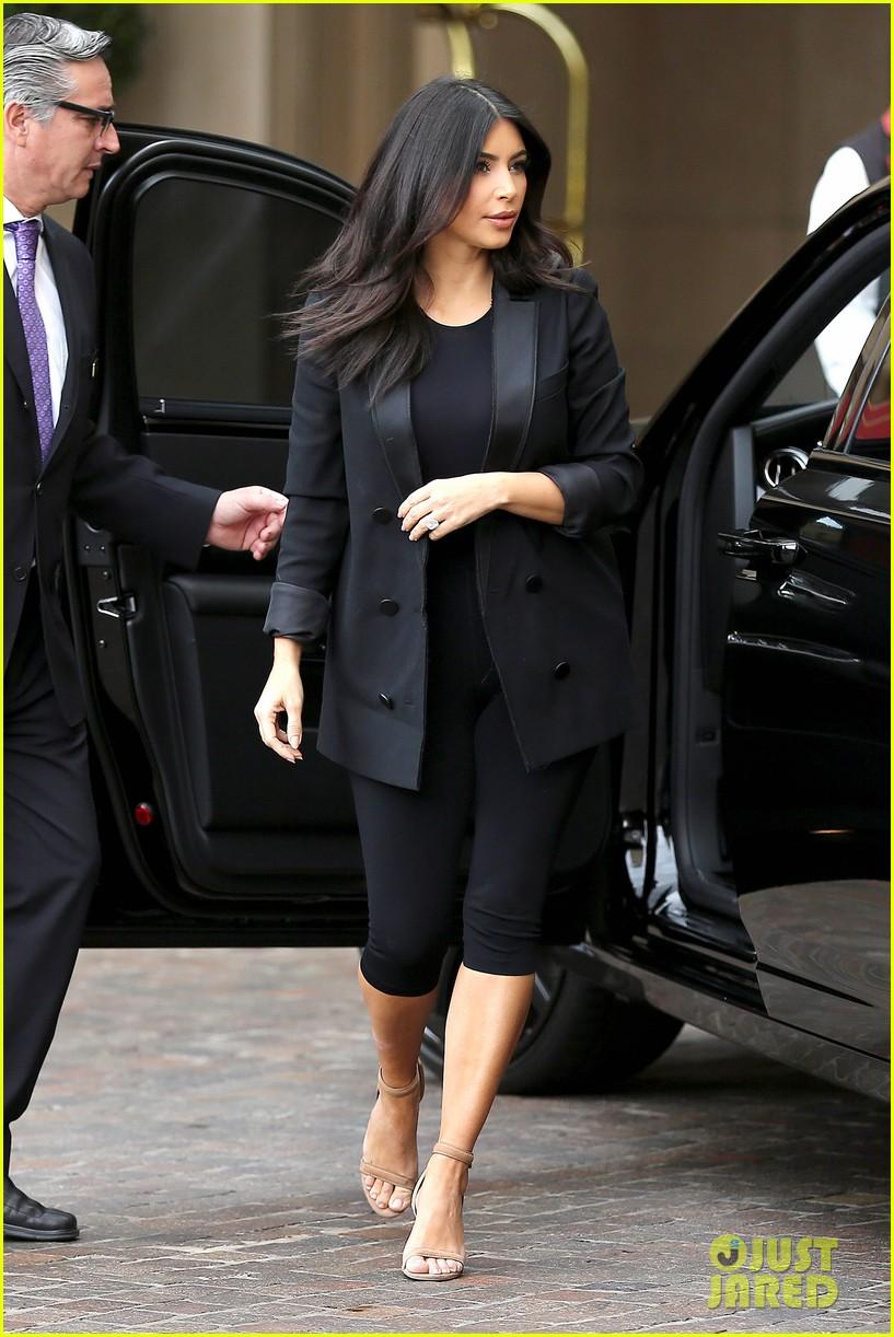 Kim U0026 Khloe Kardashian Celebrate Kourtneyu0027s Baby Shower : Photo 3241044 |  Khloe Kardashian, Kim Kardashian, Kourtney Kardashian, Kylie Jenner, ...