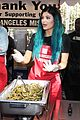 kylie jenner tyga do good deed on thanksgiving eve 16