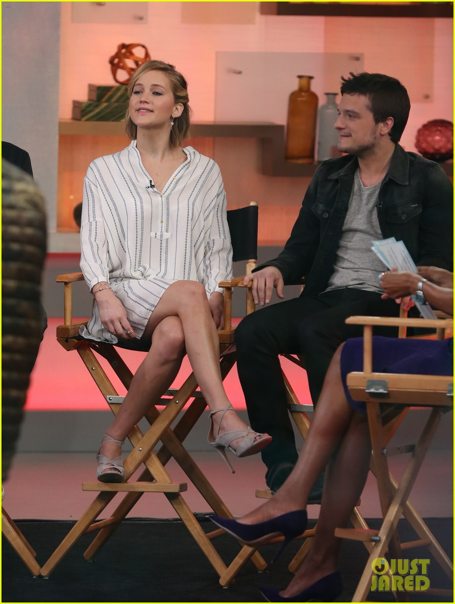 jennifer lawrence liam hemsworth josh hutcherson good morning america 133241595