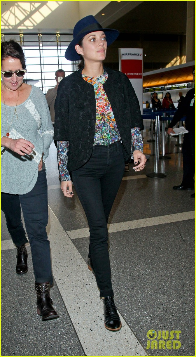 marion cotillard colorful style lax airport 073239726